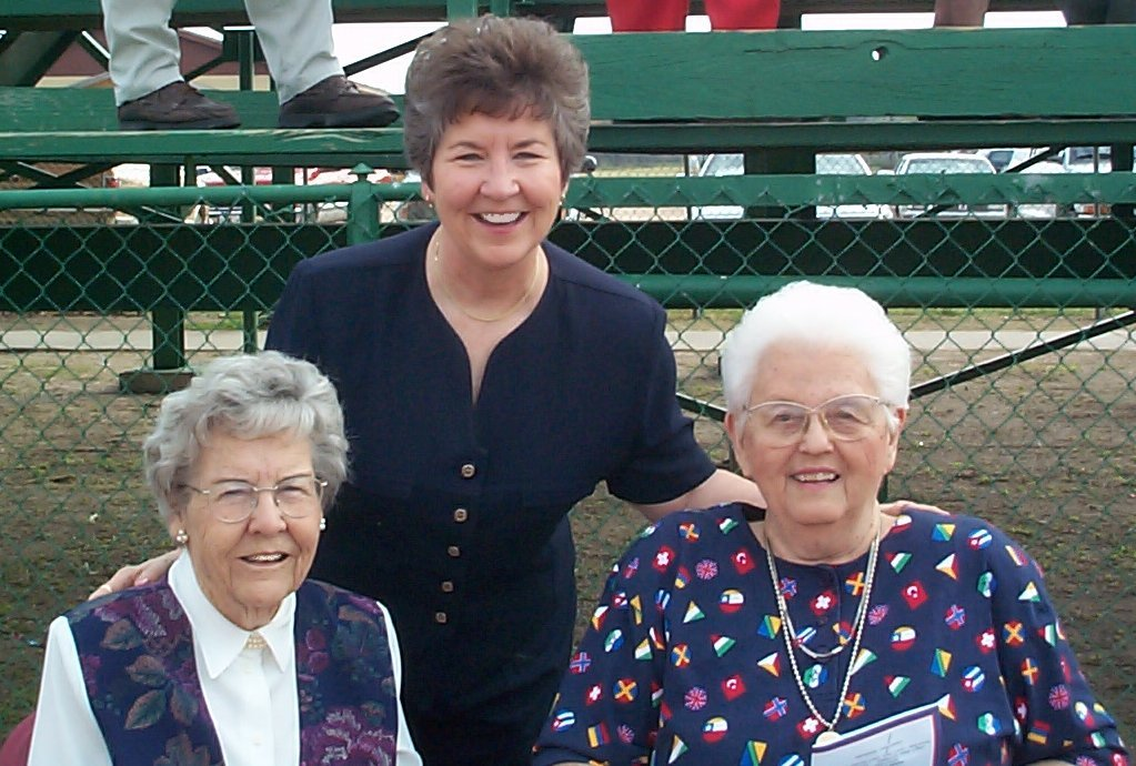 Suzy with her mom (left) and Aunt Elaine (right)